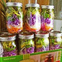 半日分の野菜が取れるサラダメニュー
