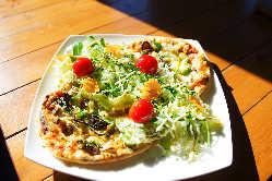 鶴居村産のチーズを使った、もちもち食感の手作りピザ!