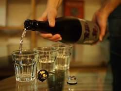 料理によく合う日本酒も豊富に取り揃えております。