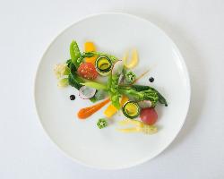 自家菜園と近郊野菜のサラダ仕立て