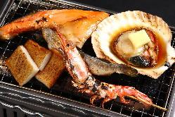 海鮮浜焼きセットは卓上で炙ってお召し上がり頂けます。