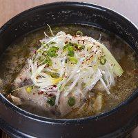 ひなどり一羽漢方鍋 サムゲタン1,980円