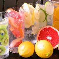 凍らせた果実をそのまま使用!生フルーツサワーが期間限定で登場