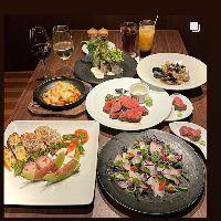 【アラカルト】 肉料理を中心にワインと合う逸品を多彩にご用意