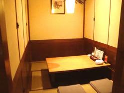 人気の個室、掘りごたつ、テーブル、カウンター