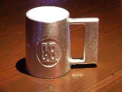 生ビールはチャーリーブラウンオリジナル特製ジョッキで乾杯♪