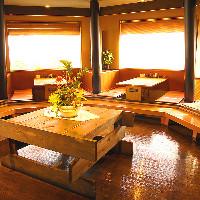 10名までOKのテーブル席や小上がり、堀ごたつの座敷等お席は様々