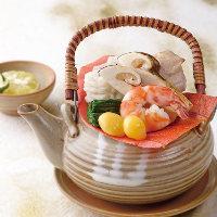 季節の食材をふんだんに使用した逸品料理の数々もおすすめです