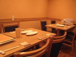 ご家族や仕事仲間とのお食事におすすめテーブル席◎