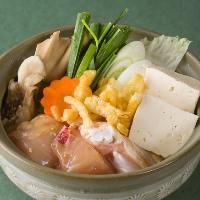 【鶏塩ちゃんこ鍋】 食材の旨味たっぷりの温まる人気メニュー