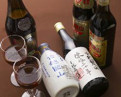 石鍋に合う紹興酒各種取り揃えております。