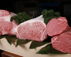 厳撰された日本一の宮崎牛を是非、ご賞味下さい。