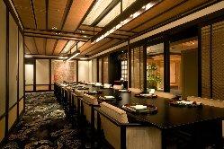 24名様まで利用可能な 洋個室「桜」