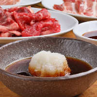 お肉の美味しさを引き立たせるつけダレは、思わずご飯が進みます