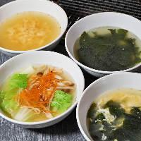 透き通ったスープは優しい味わいで人気!〆にもおすすめです