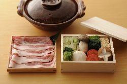 京都もち豚と豆乳のまろやかな旨味を楽しめる豆乳鍋・豆腐料理
