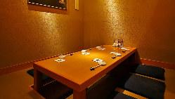 【個室】 2名様~6名様の人気個室。早めのご予約を