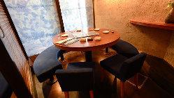 【モダンな店内】 モダンな空間×お寿司が、大人の愉しみ方