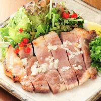 柔らかできめが細やかな肉質の三田ポーク豚ロースの塩麹漬け焼き