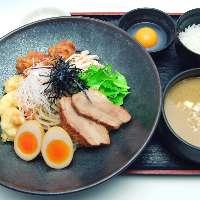 鶏白湯タンタンメン 870円