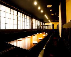 人数に合わせてお席をご用意!大人数での宴会はこちらで。