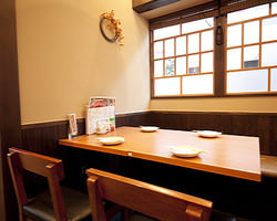 2~4テーブル席 ご家族、小宴会にもご利用ください。