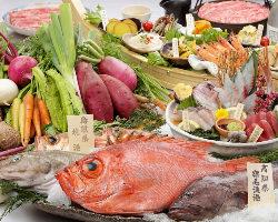 全国各地の新鮮な野菜や鮮魚を取り揃えております。
