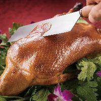 炎で魅せる!中国料理は「音と香りのメイン・ライブキッチン」