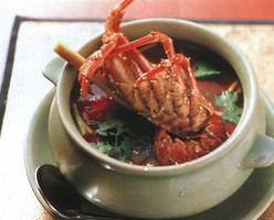 トムヤムロブスター1,599円 海老殻の出汁が楽しめます
