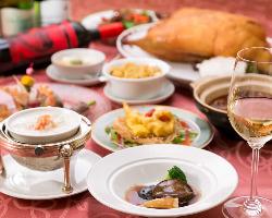 五感全てを刺激しまる彩り豊かなコース料理