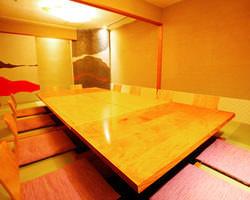 汐彩の間【10名様~20名様】 接待等に最適のお部屋です。