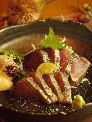 やっぱり太郎丸に来たら、かつおのわら焼きを食べてほしいです!