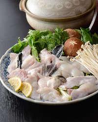 冬期限定の会席料理「寅ふぐ三昧」「蟹三昧」が始まりました。