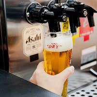 熟練スタッフが注ぐ生ビールを始め、ドリンクメニューも豊富!