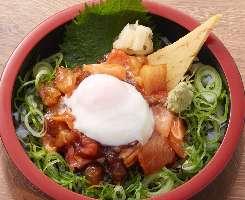 おまかせ漁師丼(漁師汁・ドリンク付 500円+税