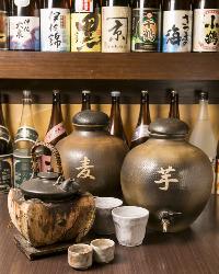 焼酎は芋・麦・米・黒糖など70種をご用意しております。
