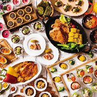 お料理は約30種、季節ごとにテーマを変えています