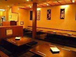 テーブル席は4~20名様まで。 ご宴会にピッタリです!