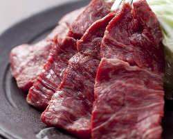 〈牛肉も厳選〉 宮崎産の黒毛和牛を中心に仕入れています!