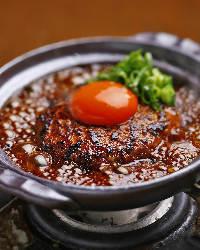〈豊富な逸品料理〉 お酒のアテから造り、揚物、焼物など充実♪