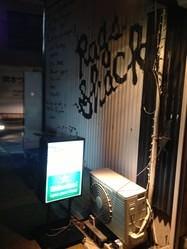 逆瀬川駅から徒歩5分 ハイネケンの看板が目印です!!