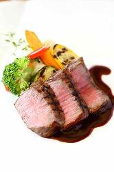 《神戸牛ステーキ》 神戸北野で味わう神戸牛は格別な美味しさ
