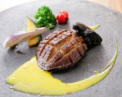 名皿☆黒鮑のムニエル!良質な高級食材料理もご当地ならでは♪