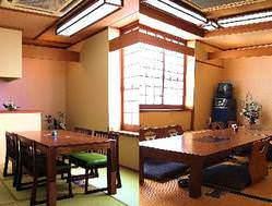 1mの天然大穴子のフルコースの会席料理が人気!