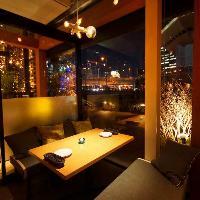 窓際席で、景色を眺めながら美味しいお食事をお楽しみ下さい♪