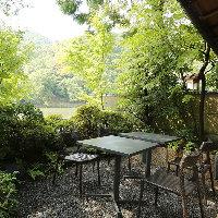 名勝嵐山を眺めながら、ゆったりと、お食事をどうぞ