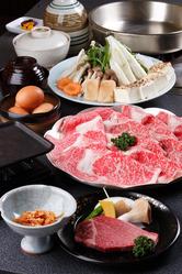 黒毛和牛ロース肉のしゃぶorすき焼最高!口の中でトロケます