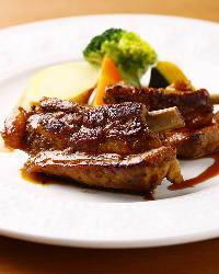 地元奈良の食材を使用した『大和牛のミルフィーユカツレツ』
