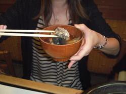 すっぽんのスープ焼葱と生姜の絞り汁とろとろすっぽんが美味しい