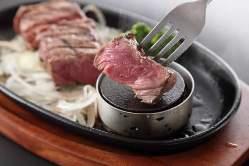 国産牛肉100%のMzハンバーグは、贅沢でたまらない美味しさ♪
